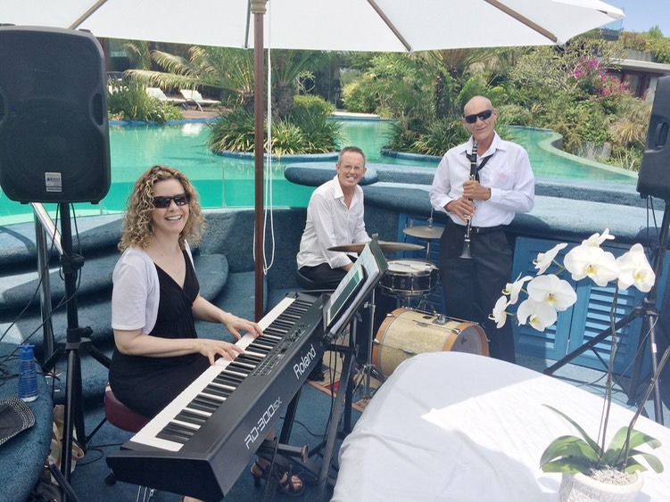 TOP WEDDING SINGER QUARTET LIVE AT LOTHIAN VINEYARDS - MARRIAGE PROPOSAL NEW YEARS EVE