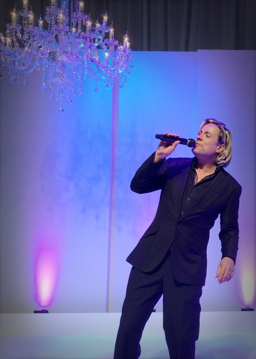 Top wedding singer Ike Moriz live at the SA Wedding Show 2015 CTICC