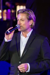 Top Wedding Singer Ike Moriz with Cape Town Philharmonic Orchestra February 2017