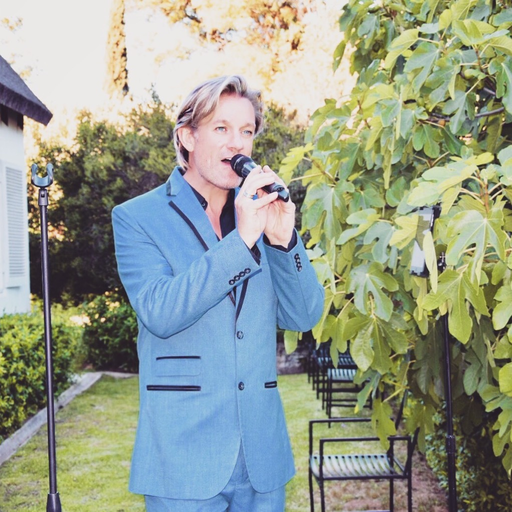 Ike Moriz solo performance at The Forum - Embassy Hill Constantia 11.11.17 November 2017 swing jazz reception wedding band entertainment solo vocalist singer crooner top sing neda farshad southern cross drive garden reception pre drinks cocktails ceremony cape town south africa swing jazz latin pop easy listening